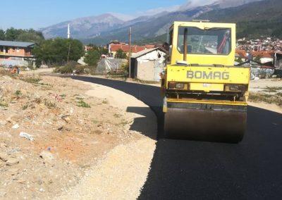Изградба на пат во Општина Дебар