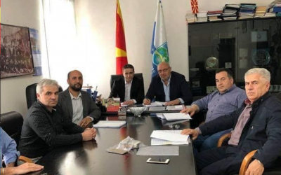 Потпишан договор за изградба на нова општинска зграда во с.Ростуше