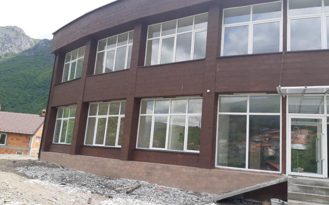 Изградбата на нова Општинска зграда во н.м. Ростуше.